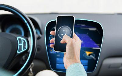 Kako spojiti mobitel na radio u autu